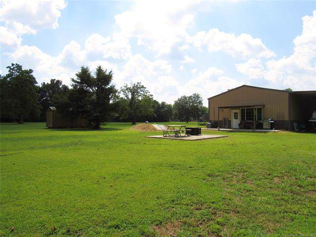 225 S Maple Street, Pryor, OK 74361 (MLS #1938490) :: Hopper Group at RE/MAX Results
