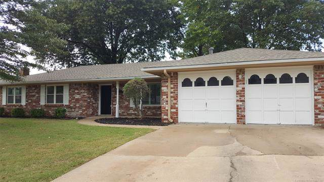 1225 Meadow Drive, Bartlesville, OK 74006 (MLS #1938751) :: Hopper Group at RE/MAX Results