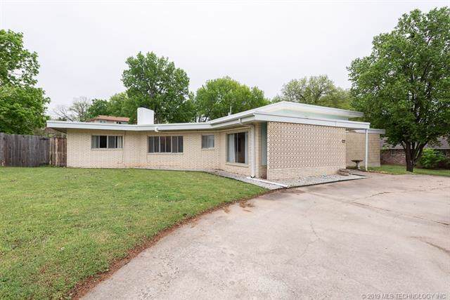 1909 Moonlight Drive, Bartlesville, OK 74006 (MLS #1939169) :: Hopper Group at RE/MAX Results