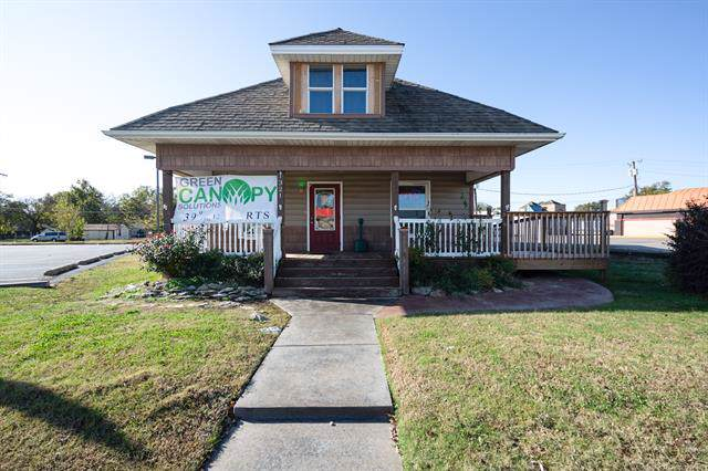 1321 W Will Rogers Boulevard, Claremore, OK 74017 (MLS #1939490) :: Hopper Group at RE/MAX Results