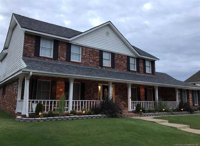 2624 Montrose Drive, Bartlesville, OK 74006 (MLS #1939591) :: Hopper Group at RE/MAX Results
