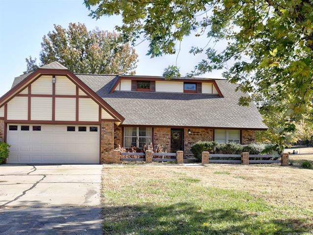 8535 Gary Drive, Tulsa, OK 74131 (MLS #1939645) :: Hopper Group at RE/MAX Results