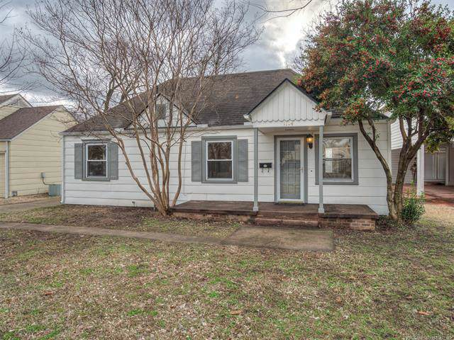 1124 E 35th Place, Tulsa, OK 74105 (MLS #1939921) :: 918HomeTeam - KW Realty Preferred