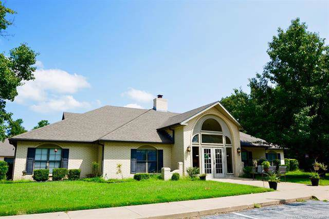 1516 Harbor Road, Grove, OK 74344 (MLS #1940019) :: Hopper Group at RE/MAX Results