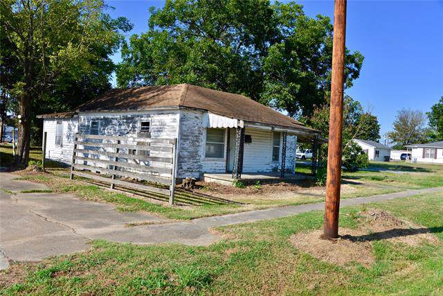 609 E Trudgeon Street, Henryetta, OK 74437 (MLS #1940078) :: Hopper Group at RE/MAX Results