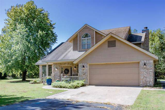 405 S Oklahoma Street, So Coffeyville, OK 74072 (MLS #1940168) :: Hopper Group at RE/MAX Results