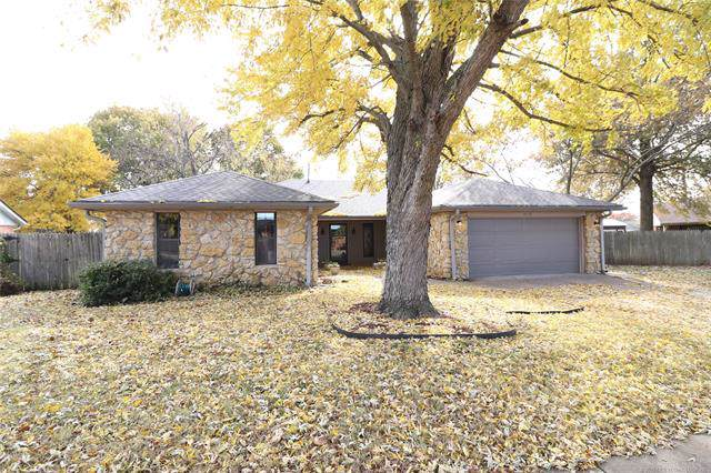6409 Trail Drive, Bartlesville, OK 74006 (MLS #1940346) :: Hopper Group at RE/MAX Results