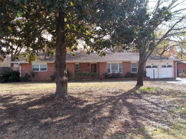 1512 Oakdale Drive, Bartlesville, OK 74006 (MLS #1940364) :: Hopper Group at RE/MAX Results