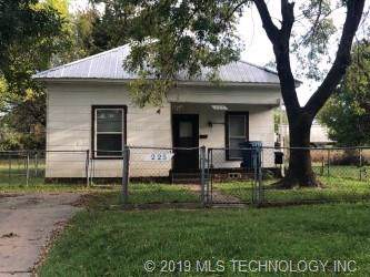225 W Chickasaw Avenue, Mcalester, OK 74501 (MLS #1940384) :: Hopper Group at RE/MAX Results