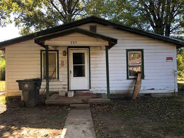 725 Jackson Street, Muskogee, OK 74401 (MLS #1940393) :: 918HomeTeam - KW Realty Preferred