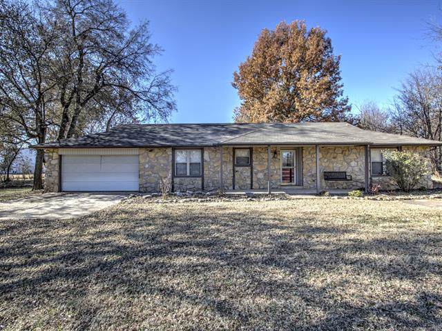11140 S 4120 Road, Oologah, OK 74053 (MLS #1940581) :: Hopper Group at RE/MAX Results