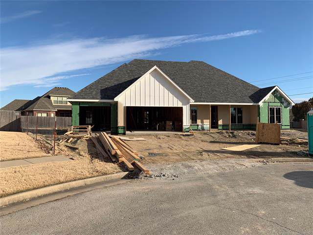 108 Prairie Ridge Court, Bartlesville, OK 74006 (MLS #1940667) :: Hopper Group at RE/MAX Results