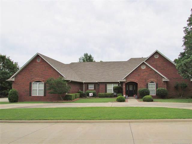 3008 River Oaks Drive, Muskogee, OK 74403 (MLS #1940729) :: 918HomeTeam - KW Realty Preferred