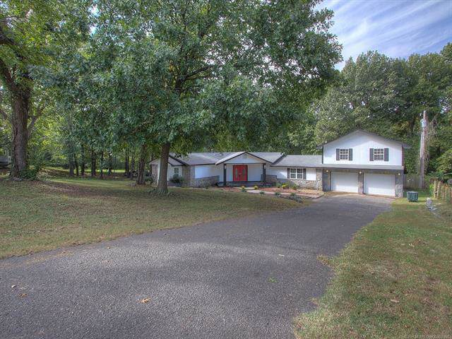 803 Pea Ridge Street, Fort Gibson, OK 74434 (MLS #1940730) :: Hopper Group at RE/MAX Results