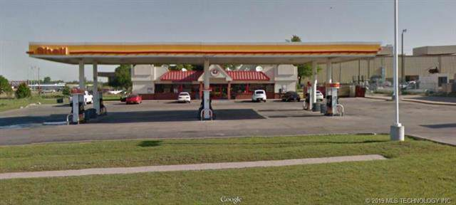 11015 E Pine Street, Tulsa, OK 74116 (MLS #1940733) :: 918HomeTeam - KW Realty Preferred