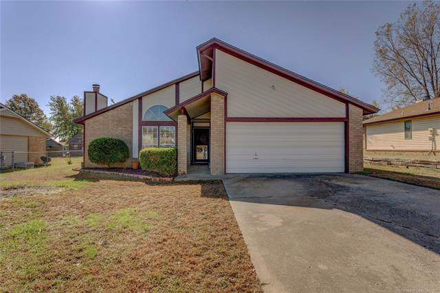 462 W 146th Place S, Glenpool, OK 74033 (MLS #1940901) :: 918HomeTeam - KW Realty Preferred
