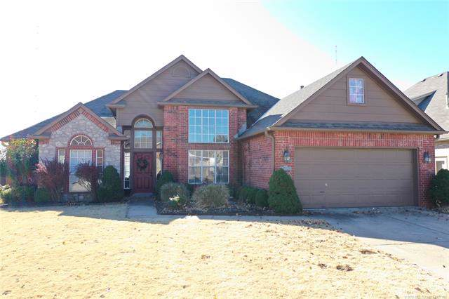 10702 E 115th Place S, Bixby, OK 74008 (MLS #1940914) :: 918HomeTeam - KW Realty Preferred