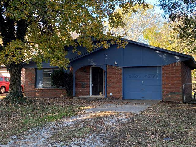 14354 S College Street, Glenpool, OK 74033 (MLS #1940931) :: 918HomeTeam - KW Realty Preferred