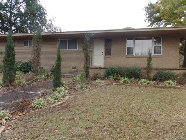 300 E Osage Avenue, Mcalester, OK 74501 (MLS #1941137) :: Hopper Group at RE/MAX Results
