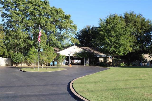 1195 N Lynn Lane, Catoosa, OK 74015 (MLS #1941245) :: Hopper Group at RE/MAX Results