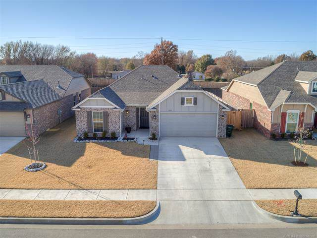 12216 N 130th East Street, Collinsville, OK 74021 (MLS #1941327) :: Hopper Group at RE/MAX Results