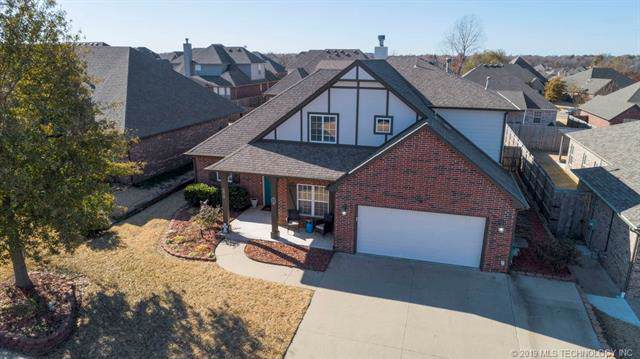 2618 S 14th Place, Broken Arrow, OK 74012 (MLS #1941413) :: Hopper Group at RE/MAX Results
