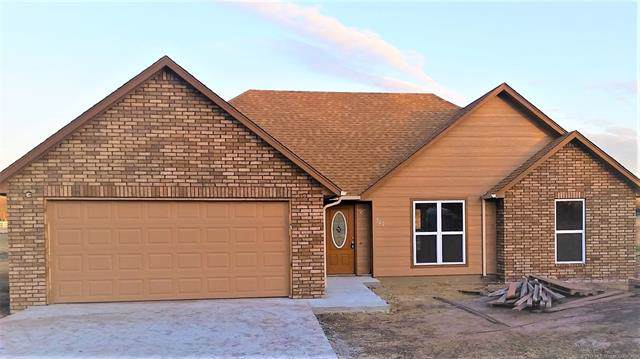 322 Tribute Trail, Chouteau, OK 74337 (MLS #1941562) :: Hopper Group at RE/MAX Results