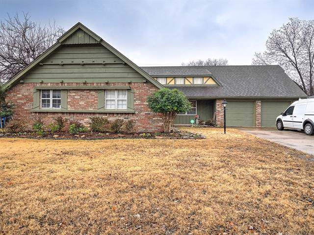 8174 E 31st Place, Tulsa, OK 74145 (MLS #1941650) :: Hopper Group at RE/MAX Results