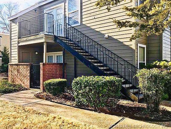 6657 S Victor Street #201, Tulsa, OK 74104 (MLS #1941836) :: 918HomeTeam - KW Realty Preferred