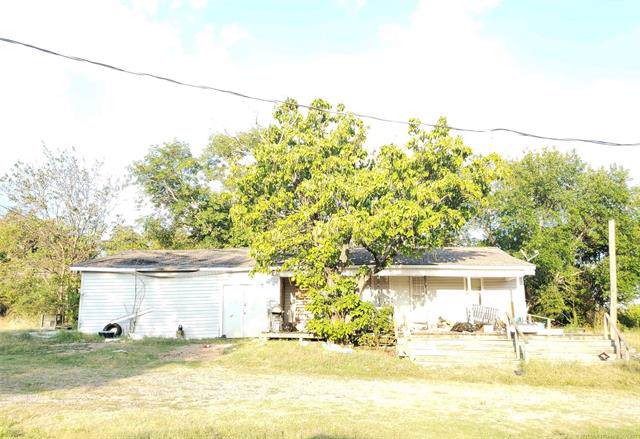 2330 Wise Avenue, Henryetta, OK 74437 (MLS #1942618) :: Hopper Group at RE/MAX Results