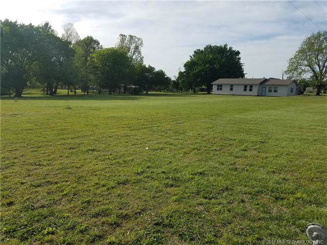 14365 E 136th Street North, Collinsville, OK 74021 (MLS #1942635) :: Hopper Group at RE/MAX Results
