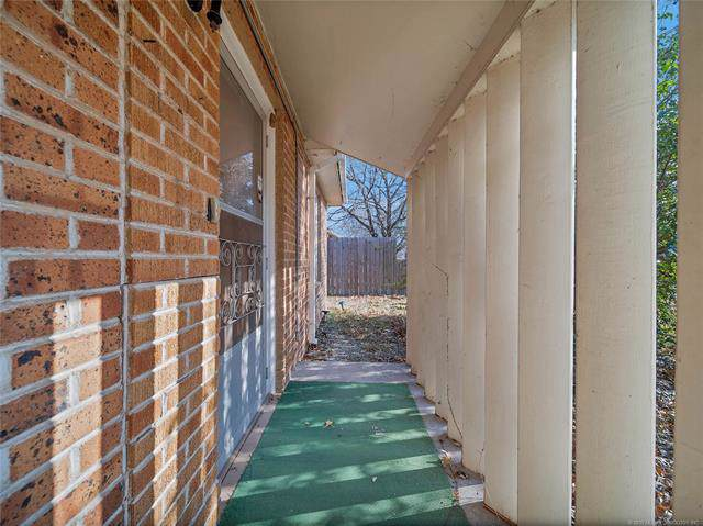 313 SE 5th Street, Pryor, OK 74361 (MLS #1942753) :: Hopper Group at RE/MAX Results