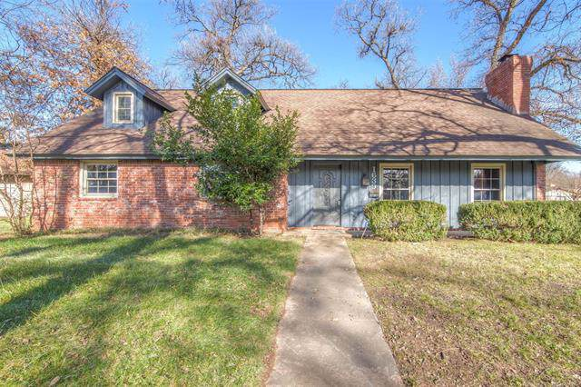 1639 E 56th Court, Tulsa, OK 74105 (MLS #1942788) :: Hopper Group at RE/MAX Results