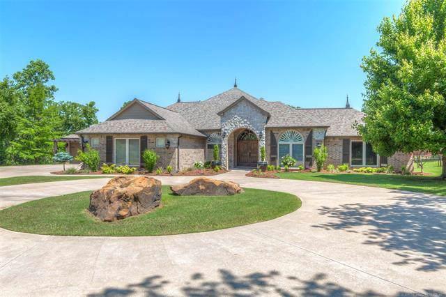 9501 Windridge Drive, Sand Springs, OK 74063 (MLS #1942804) :: 918HomeTeam - KW Realty Preferred