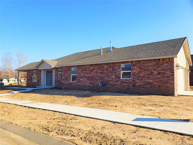 129 W Evergreen Street, Skiatook, OK 74070 (MLS #1942879) :: Hopper Group at RE/MAX Results