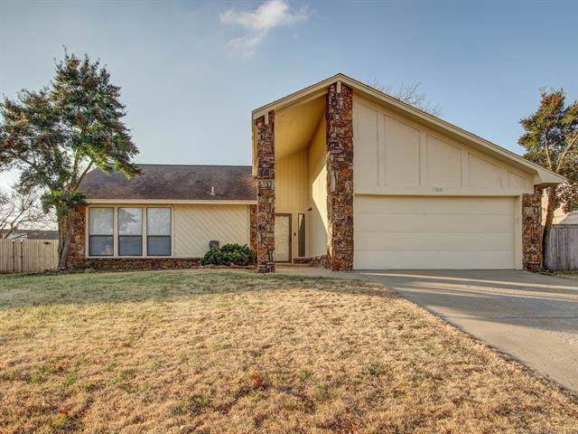 8960 E 59th Place, Tulsa, OK 74145 (MLS #1943000) :: Hopper Group at RE/MAX Results
