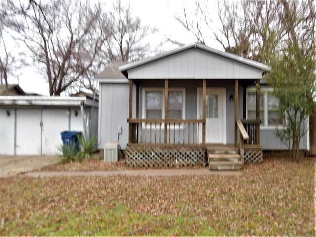 1240 E Walnut Street, Cushing, OK 74023 (MLS #1943028) :: Hopper Group at RE/MAX Results