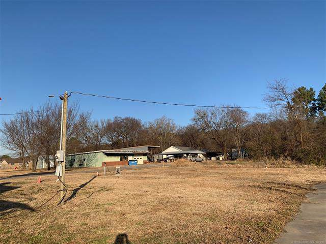 909 Main Street, Wilburton, OK 74578 (MLS #1943048) :: Hopper Group at RE/MAX Results