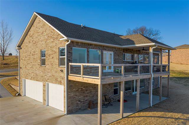 2333 Lookout Lane, Grove, OK 74344 (MLS #1943635) :: Hopper Group at RE/MAX Results