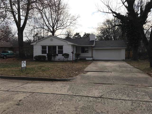 1586 E 60th Place S, Tulsa, OK 74105 (MLS #1943717) :: Hopper Group at RE/MAX Results