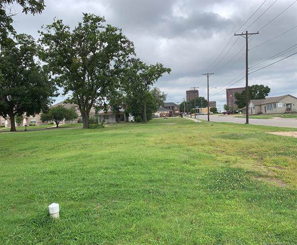 400 S Wyandotte Avenue, Bartlesville, OK 74003 (MLS #1944620) :: 918HomeTeam - KW Realty Preferred
