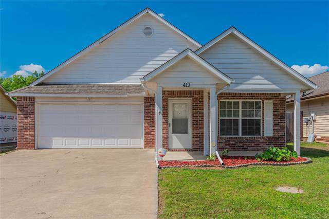 419 E Redwood Street, Coweta, OK 74429 (MLS #2001350) :: 918HomeTeam - KW Realty Preferred