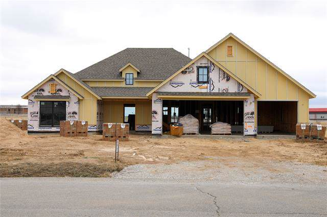 1105 S Choctaw Avenue, Skiatook, OK 74070 (MLS #2002019) :: 918HomeTeam - KW Realty Preferred
