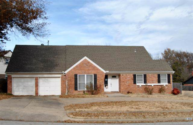 7707 E 53rd Place, Tulsa, OK 74145 (MLS #2002473) :: Hopper Group at RE/MAX Results