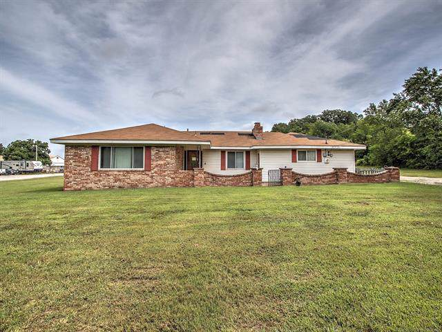 1425 W Line Avenue, Sapulpa, OK 74066 (MLS #2002682) :: 918HomeTeam - KW Realty Preferred