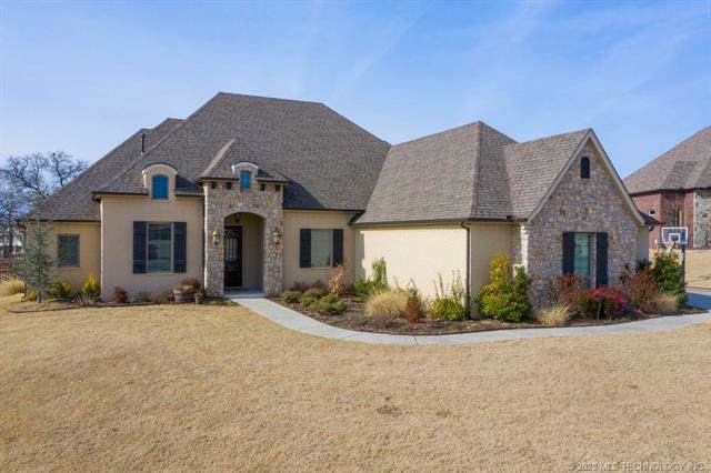 520 W Lakeview Drive, Sapulpa, OK 74066 (MLS #2002793) :: 918HomeTeam - KW Realty Preferred