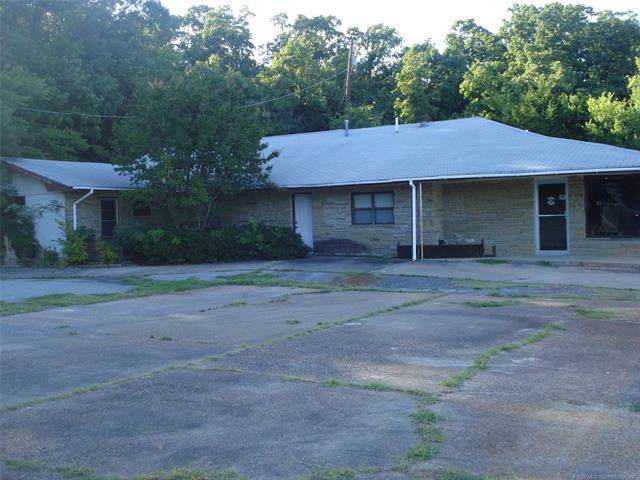 215 N 6th Street, Eufaula, OK 74432 (MLS #2003281) :: Hopper Group at RE/MAX Results