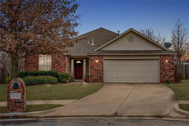 11713 S Forest Court, Jenks, OK 74037 (MLS #2003591) :: RE/MAX T-town