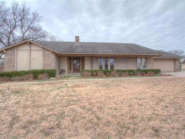 2922 W 120th Street S, Jenks, OK 74037 (MLS #2004060) :: Hopper Group at RE/MAX Results