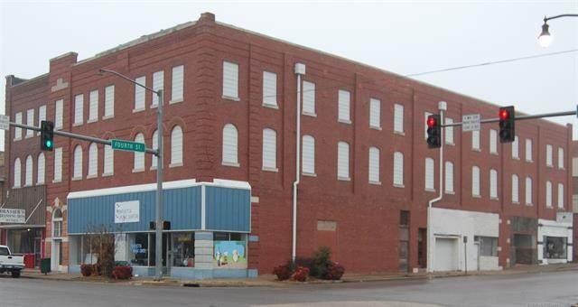 402 W Main Street, Henryetta, OK 74437 (MLS #2004066) :: 580 Realty